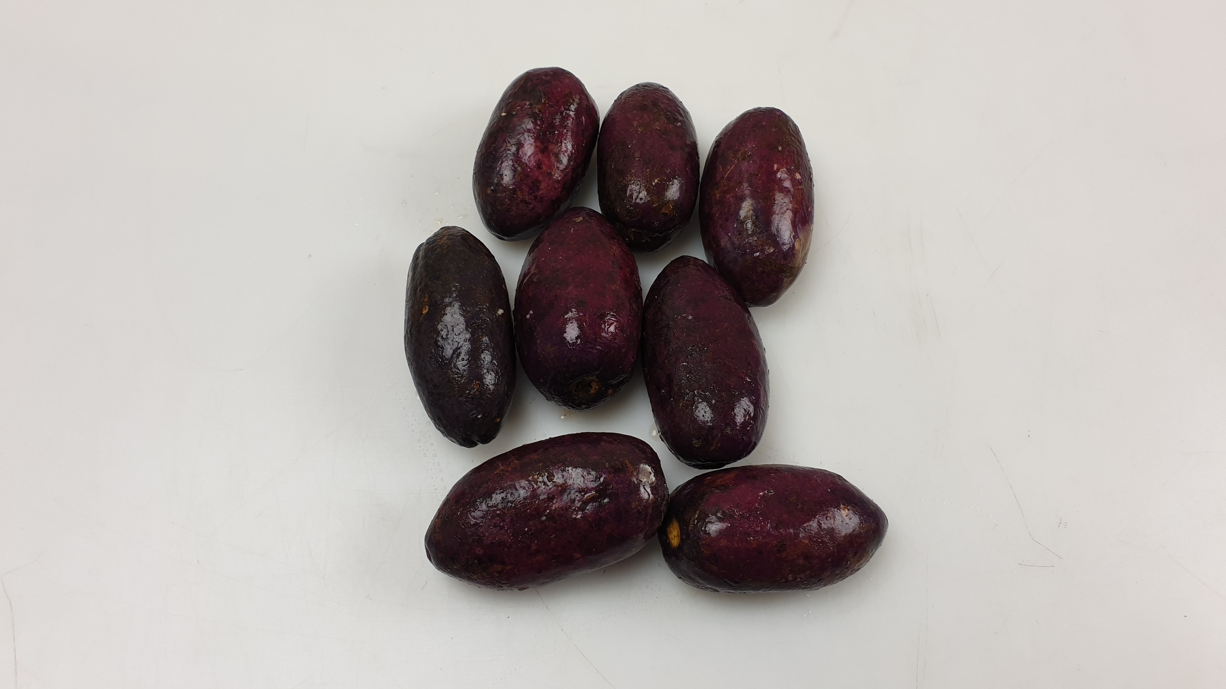 Ripe african purple plums / Safu 50 x 500 g -CM